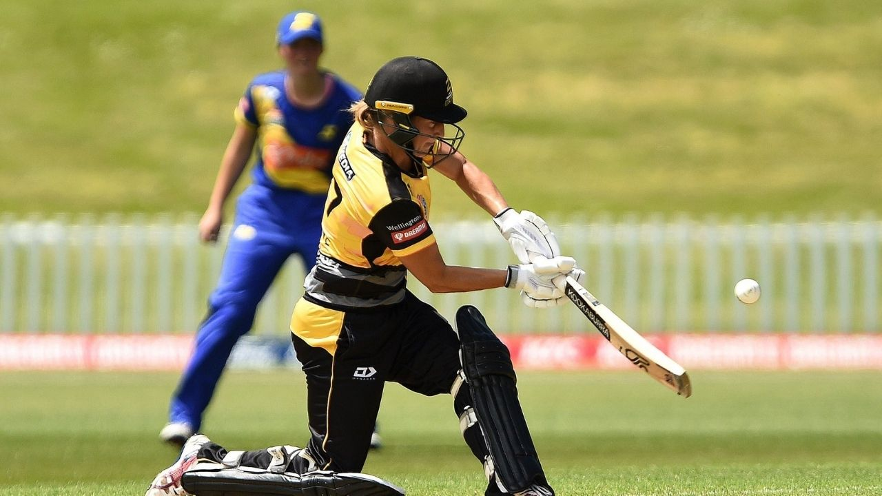 Super Smash: Sophie Devine thwacks fastest-ever Women's T20 century; gets clicked with young fan afterwards