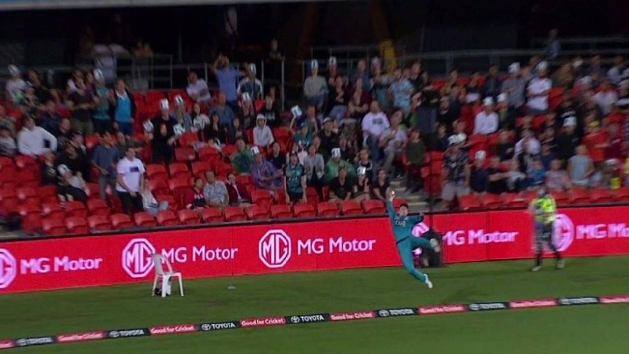 Max Bryant fielding vs Melbourne Stars: Bryant pulls off insane boundary save amid Brisbane Heat's BBL 10 fielding exhibition