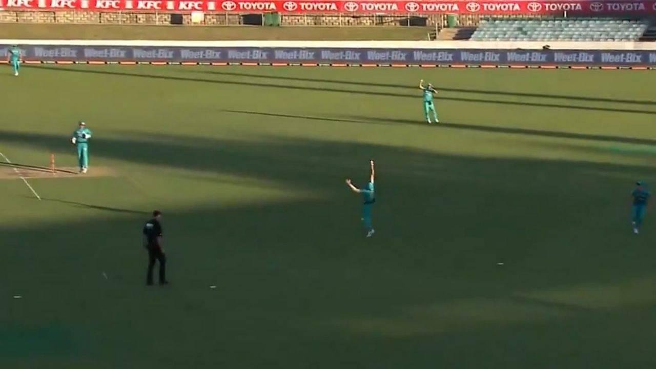 Joe Burns catch vs Renegades: Watch Heat fielder grabs spectacular catch to dismiss Mackenzie Harvey in BBL 10