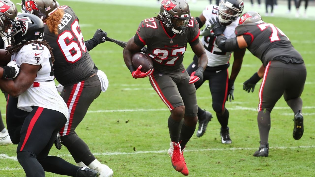 Ronald Jones awarded with high PFF rushing grade for 2020-21 NFL season