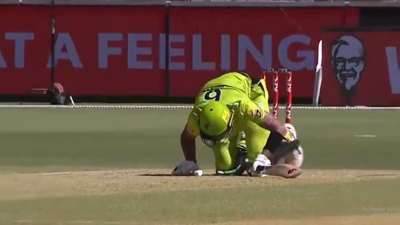 BBL 10: Alex Hales screams after getting hit in the abdomen by Nick Winter in Hurricanes vs Thunder clash