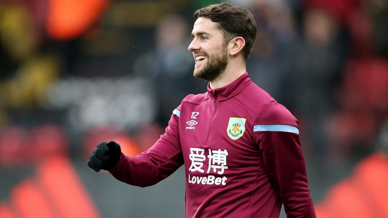 """I know where he f**king is"": Robbie Brady Rips Into Sean Dyche During Showdown With Chelsea"