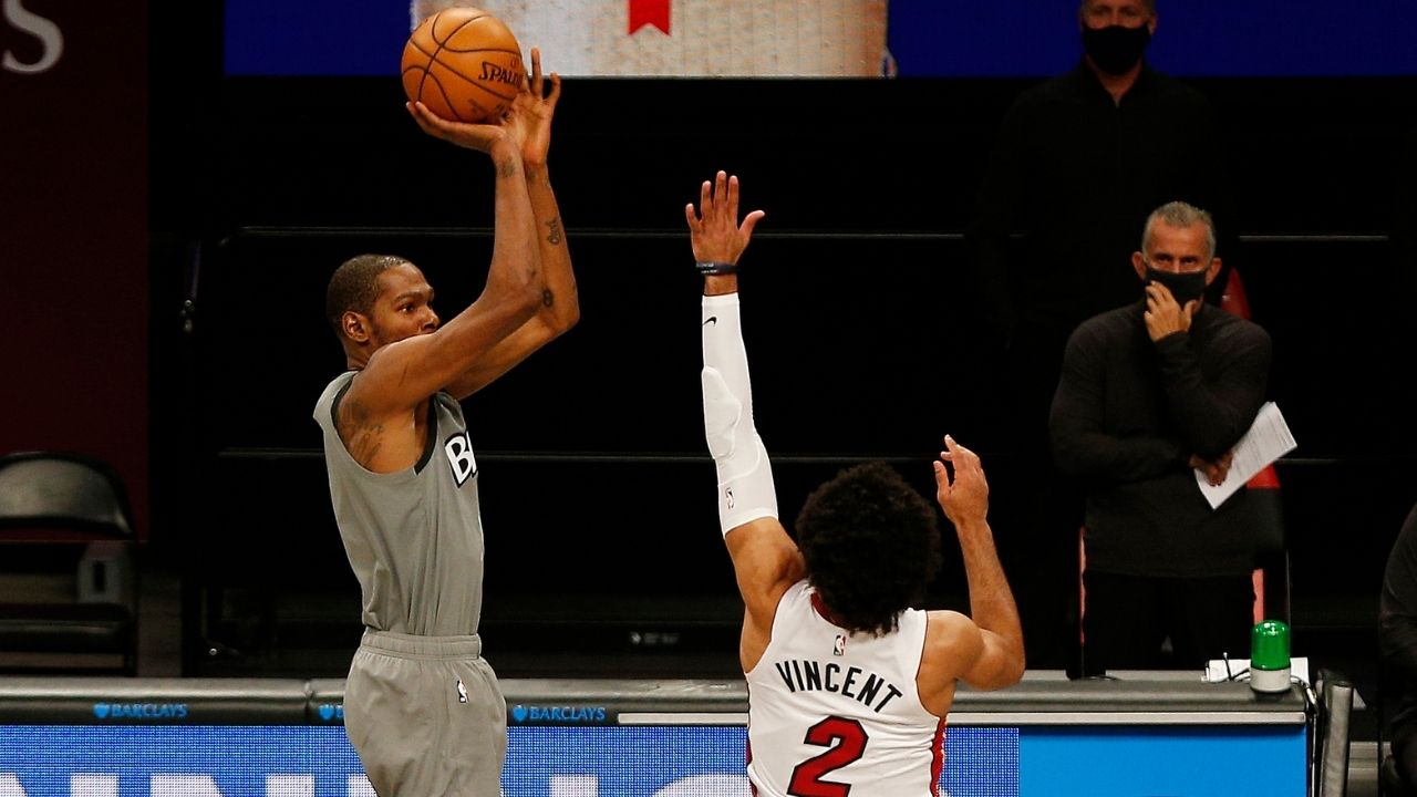 """""""95% of Kevin Durant's mid-range shots are contested"""": Mind-boggling stat that explains why the Nets superstar is the greatest scorer of the century"""