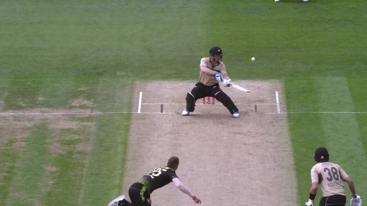 """Ridiculous and Insane"": Twitterati define Jimmy Neesham's reverse scoop off Daniel Sams as New Zealand hit 18 sixes in 2nd T20I"