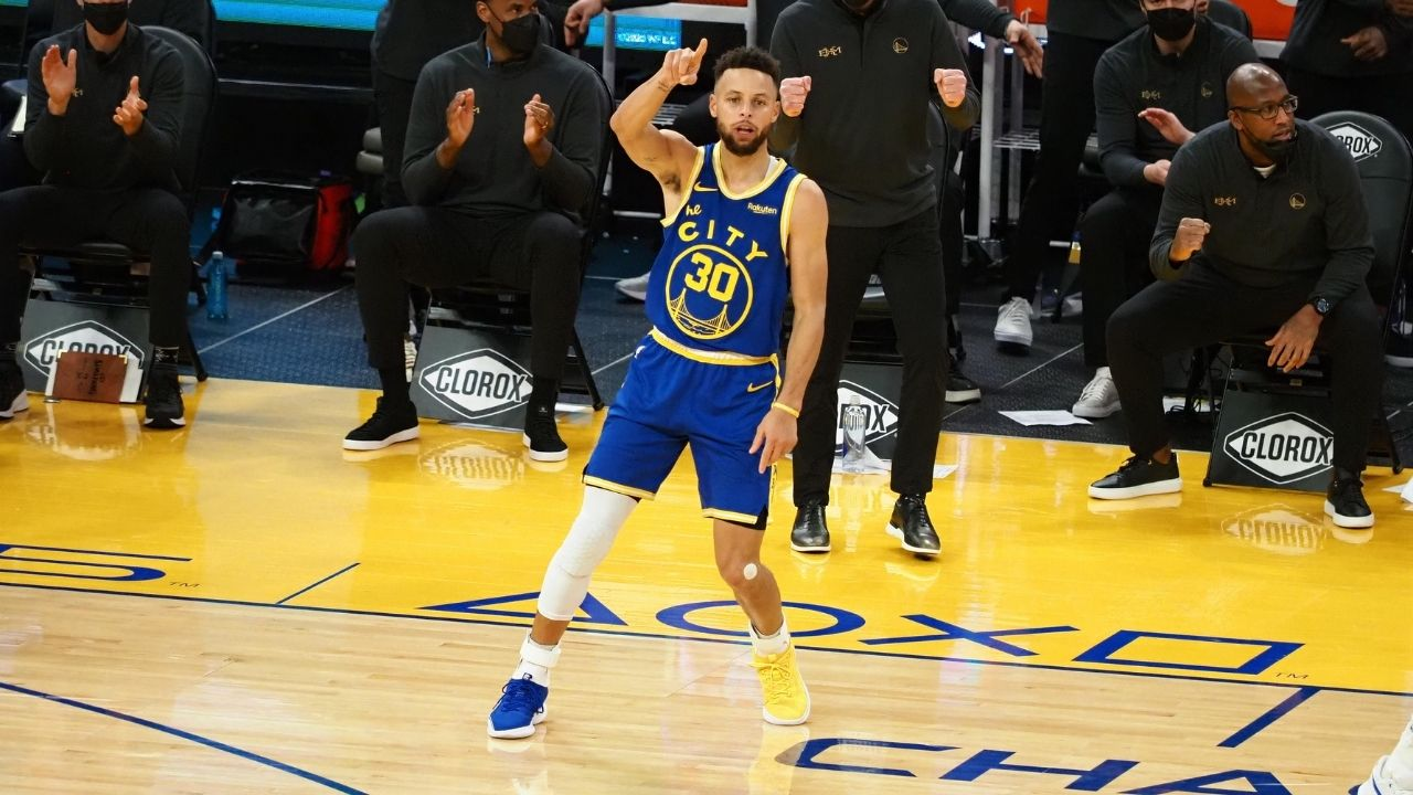 """""""Stephen Curry is an aimbot"""": Watch the Warriors star casually sink in an underhanded 3-pointer from way downtown after their win over Pistons"""