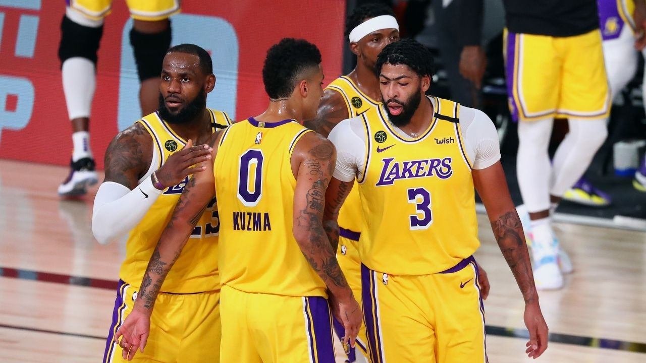 """""""Anthony Davis is what you want as a teammate"""": Lakers star did not mind getting some blood on his sweater while advisings Kyle Kuzma as LeBron James and co lost the game"""