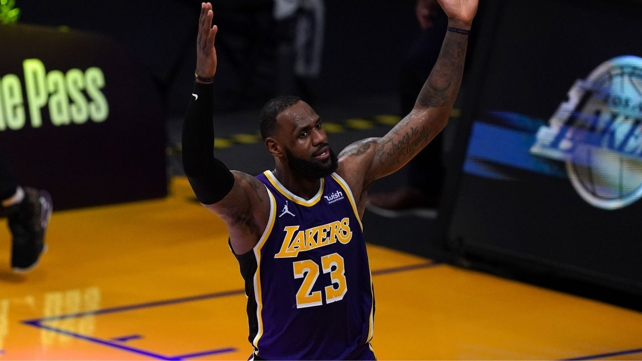 """Awful, horrible, whatever other words are synonyms"": LeBron James egregiously flops in Lakers' win last night, leaving Grizzlies announcers shocked at his audacity"