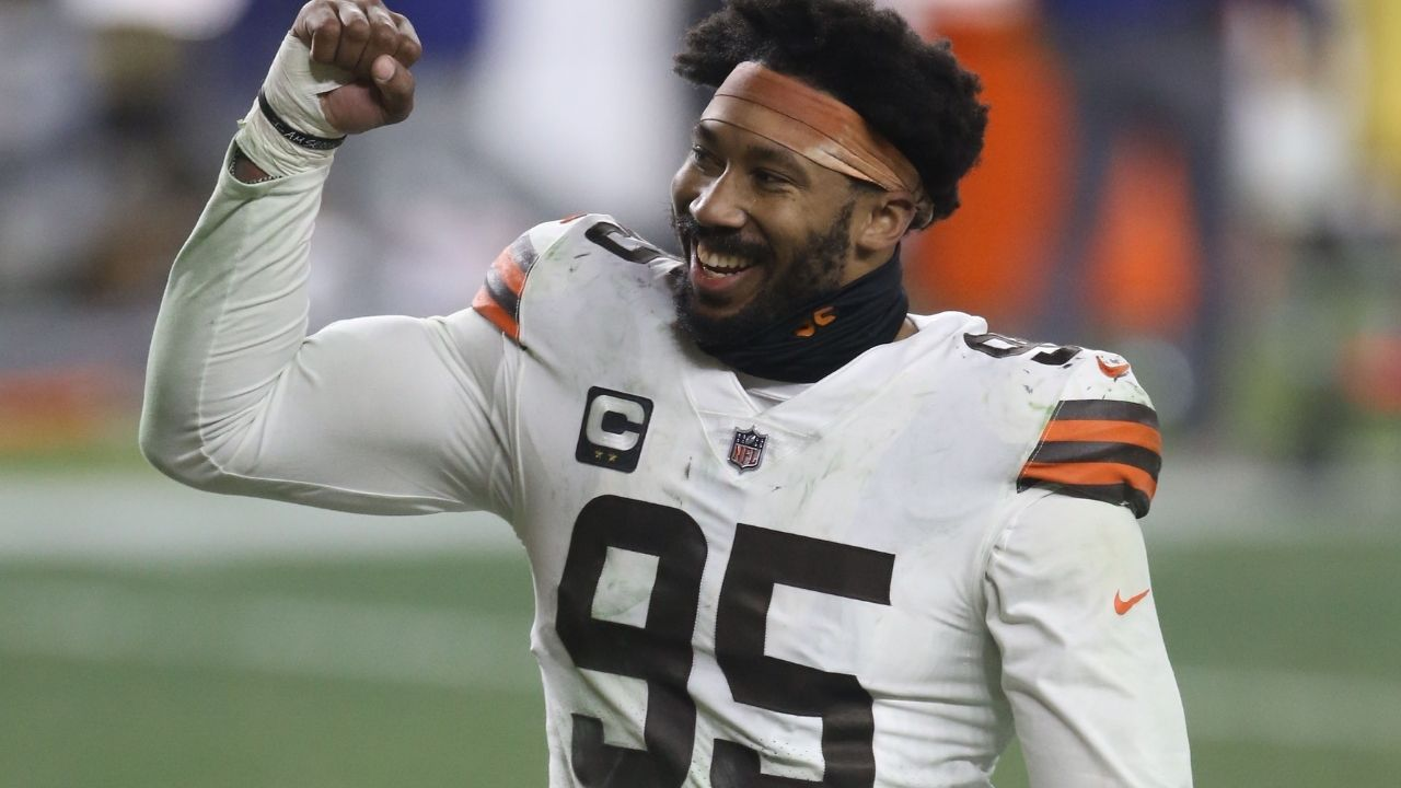 """Myles Garrett on that BIG GUARD FLOW"": Cleveland Browns Star Defensive End Calls Out NBA Owner Mark Cuban, Shows Off Impressive Basketball Skills"