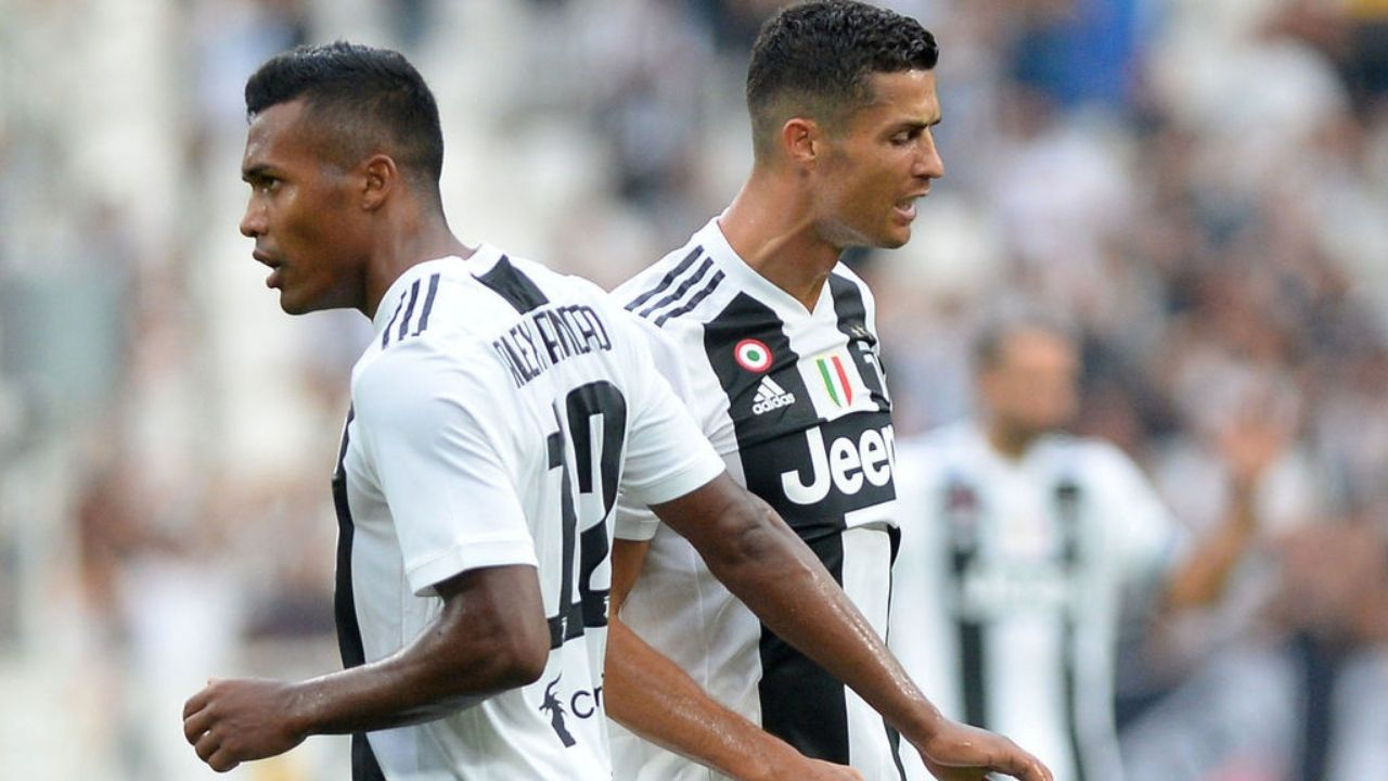 WATCH: Alex Sandro Tackles Cristiano Ronaldo With The Debacle Summing Up Ronaldo's Stinker Against Porto