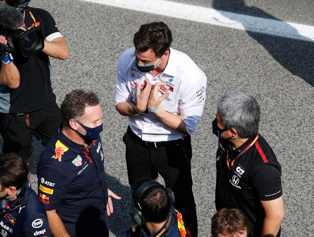 """""""We all have to try together to keep the manufacturers in Formula 1"""" - Toto Wolff wants Red Bull Honda to continue in the sport"""
