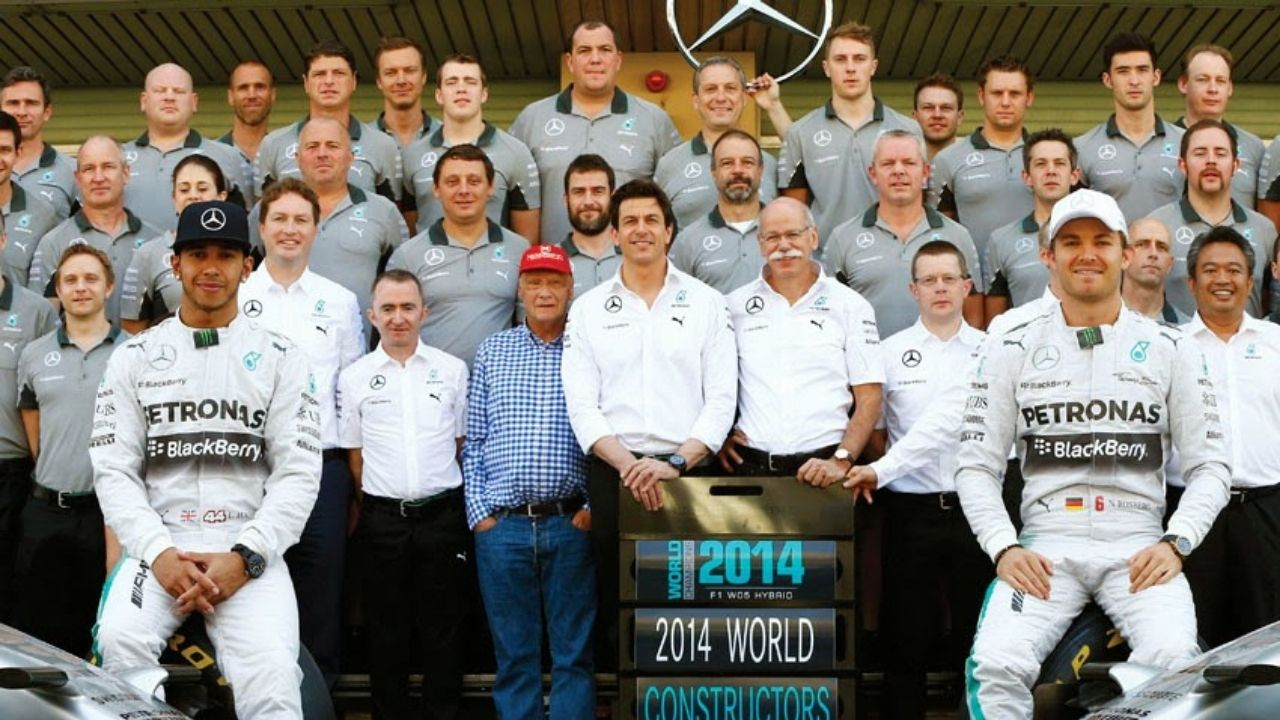 """""""Ferrari comes in and offers like 30% more salary""""- Everybody at Mercedes rejected Ferrari offer claims Nico Rosberg"""