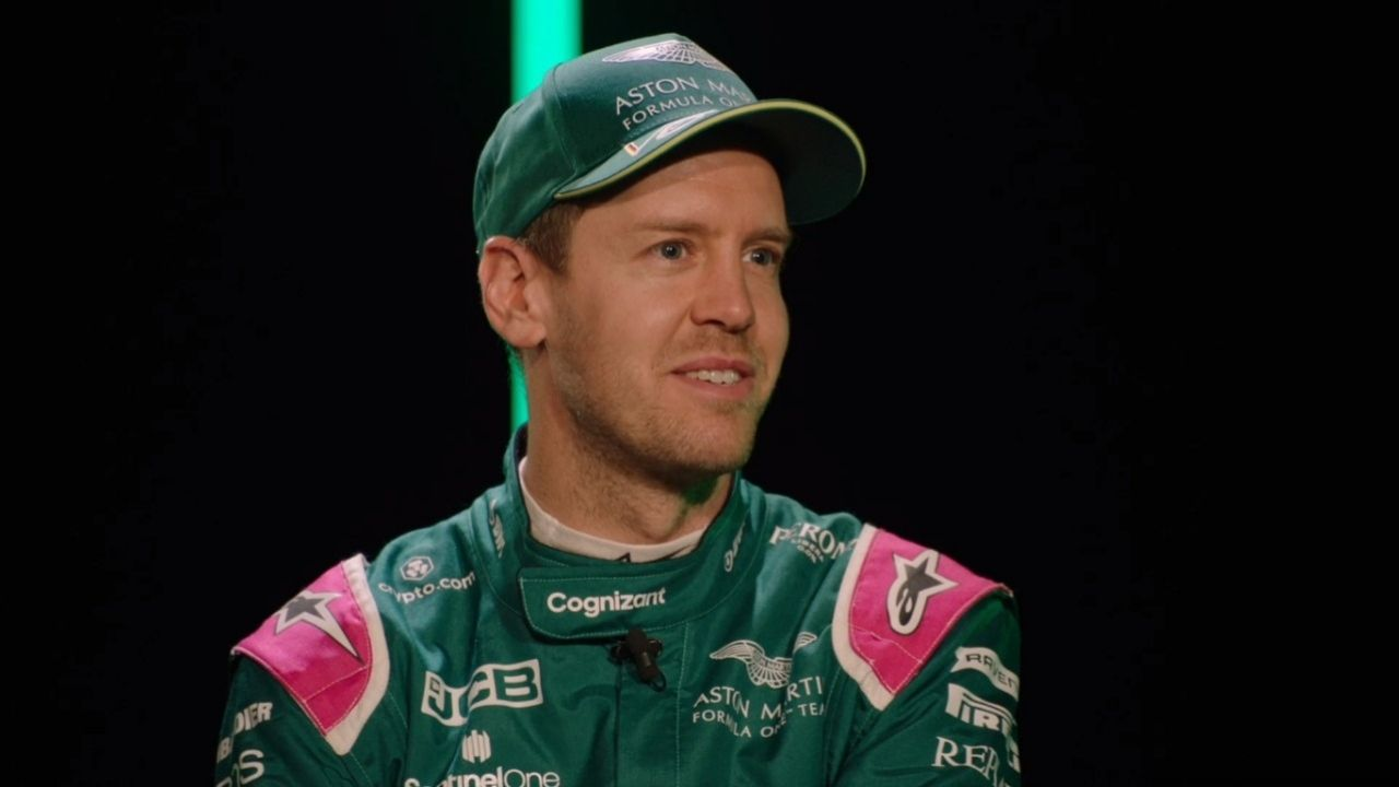 """""""I think you can already see that it is an incredibly successful car""""- Sebastian Vettel on AMR21"""