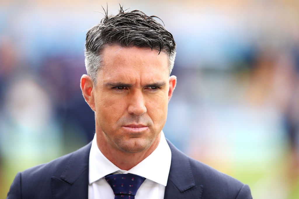 """Great sportsmanship"": Fans laud Kevin Pietersen after he calls back Khaled Mashud in Road Safety World Series"