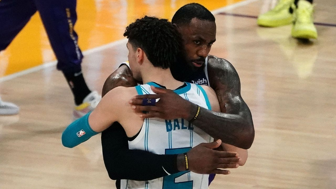 """""""LeBron James is so petty"""": Fans blast Lakers star for posting pictures of him dunking with LaMelo Ball watching after Melo said he doesn't 'look up' to LeBron"""