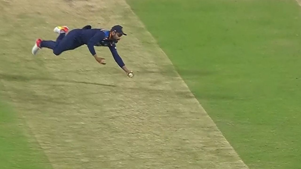 Kohli catch today: Virat Kohli grabs stunning catch to dismiss Adil Rashid off Shardul Thakur in Pune ODI