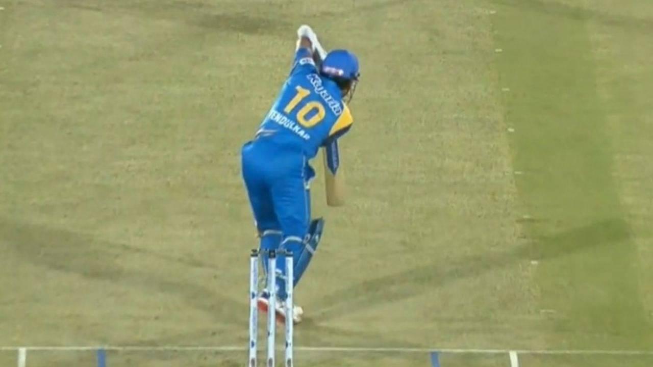 """Can straight drive be better"": Fans rejoice as Sachin Tendulkar nails signature shot vs South Africa Legends"