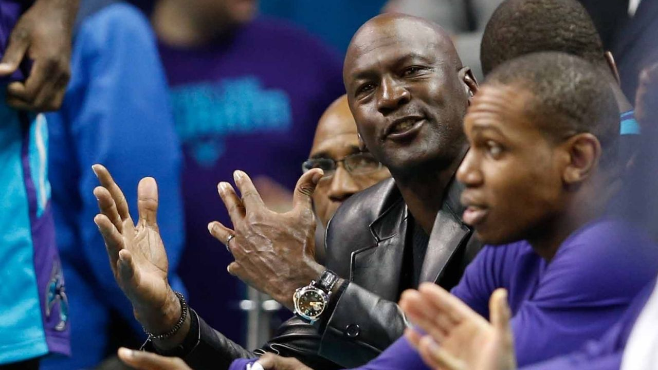 """""""Kevin Hart once pi**ed off Michael Jordan at a charity event"""": Comedian tells hilarious story of how he irritated the Bulls legend"""