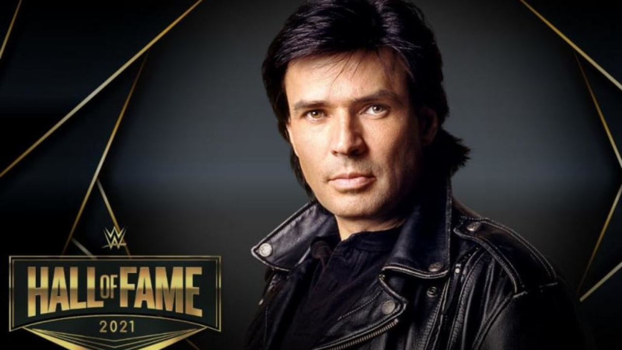 Eric Bischoff reacts to his induction in the WWE Hall of Fame