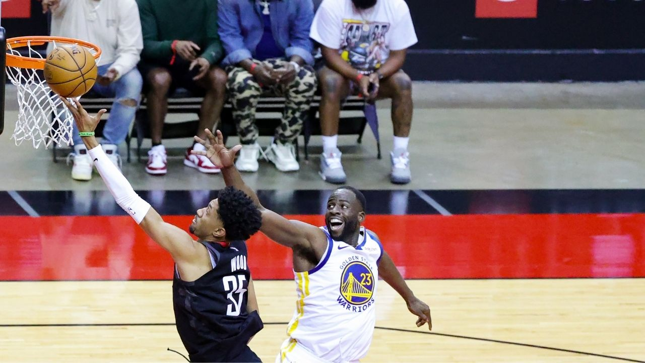 """""""You wouldn't have asked me about Christian Wood if he hadn't dropped me"""": Draymond Green hilariously calls out reporter on his matchup against Rockets star"""