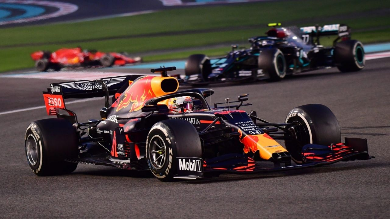"""""""We're not as quick as Red Bull""""- Mercedes makes huge claim"""