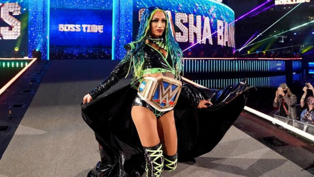 WWE Hall of Famer declares Sasha Banks 'the GOAT of this era'