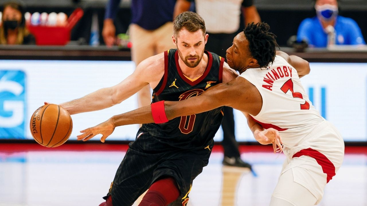 """""""People really say Kevin Love carried LeBron James?"""": NBA Fans reacts to the Cavs veteran's unbelievable turnover and tantrum against Toronto Raptors"""