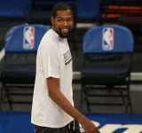 """""""Kevin Durant expressed condolences for Viviangate"""": Nets star hilariously engages in conversation with Lakers fan regarding how he got 'catfished'"""