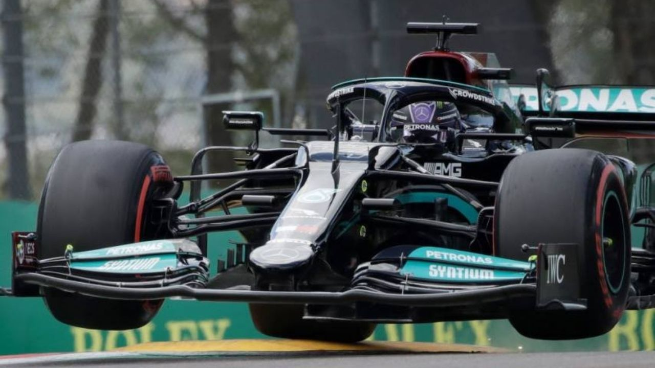 """""""Lewis was extremely fortunate""""– Christian Horner on Lewis Hamilton's performance in Imola"""