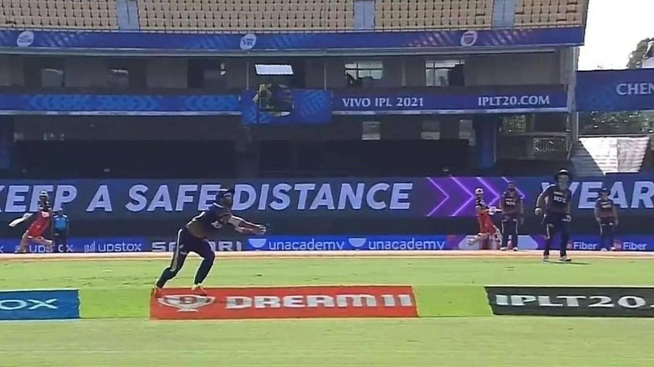 Virat Kohli vs KKR out: Rahul Tripathi grabs magnificent catch to dismiss RCB captain as V Chakravarthy picks two wickets in 1st over