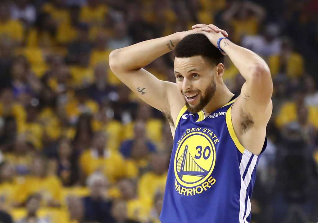 """""""Stephen Curry and co created history on April 13, 2016"""": 2015-16 Golden State Warriors go 73-9, breaking Michael Jordan and his 1995-96 Chicago Bulls' NBA record"""