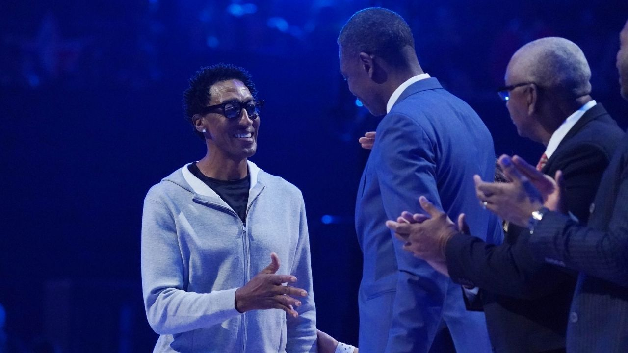 """""""Scottie Pippen hated Dennis Rodman"""": Despite being teammates with Michael Jordan they reportedly didn't talked to one another for the first 6 months of 1995-96 season"""