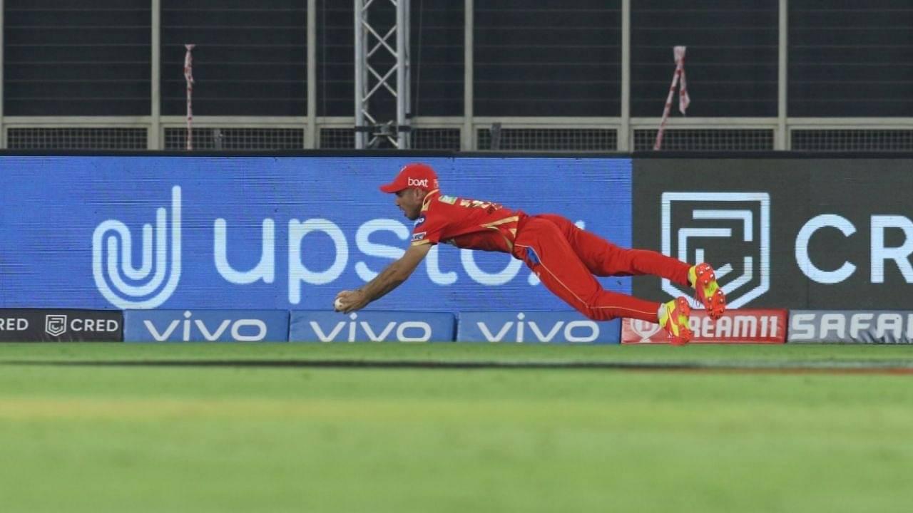 """Catch of every IPL tournament"": Kevin Pietersen amazed by Ravi Bishnoi's breathtaking catch to dismiss Sunil Narine in IPL 2021"