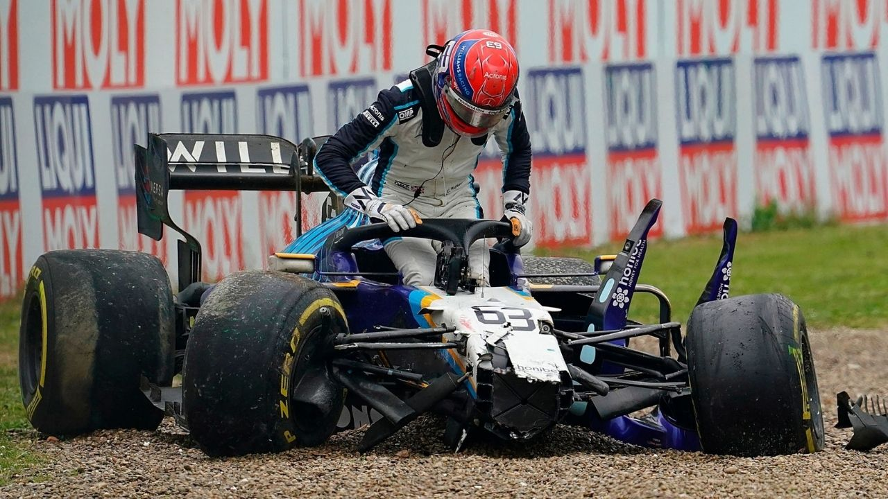 """""""Valtteri left George nowhere to go""""– Former Mercedes boss defends George Russell"""