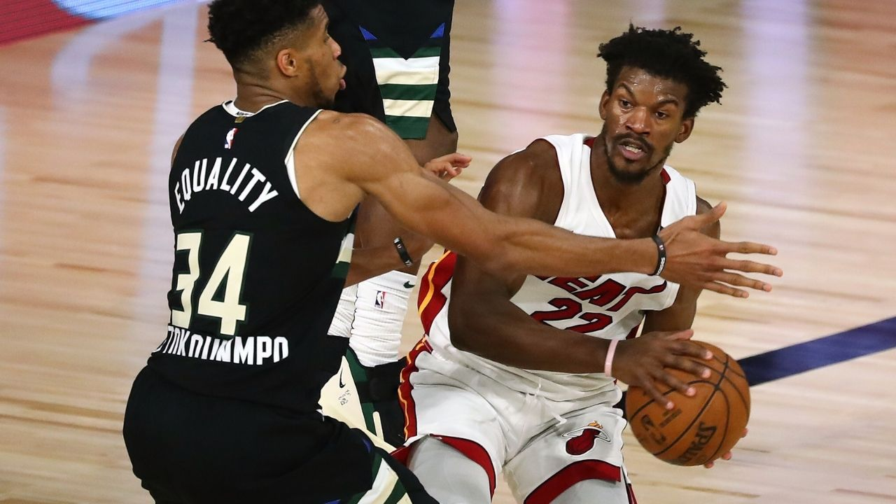 """""""Jimmy Butler pulls the chair on Giannis Antetokounmpo!"""": Heat star shows off savvy basketball IQ after pulling a questionable move on Bucks MVP in Game 1"""