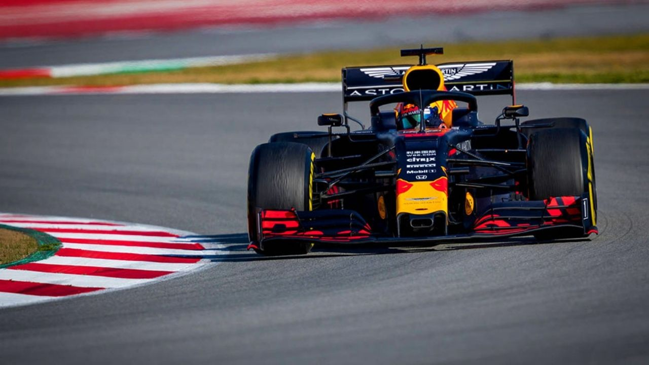 """""""It's going to depend on who is going to develop the fastest car""""– Red Bull to risk 2022 over 2021 championship chances"""