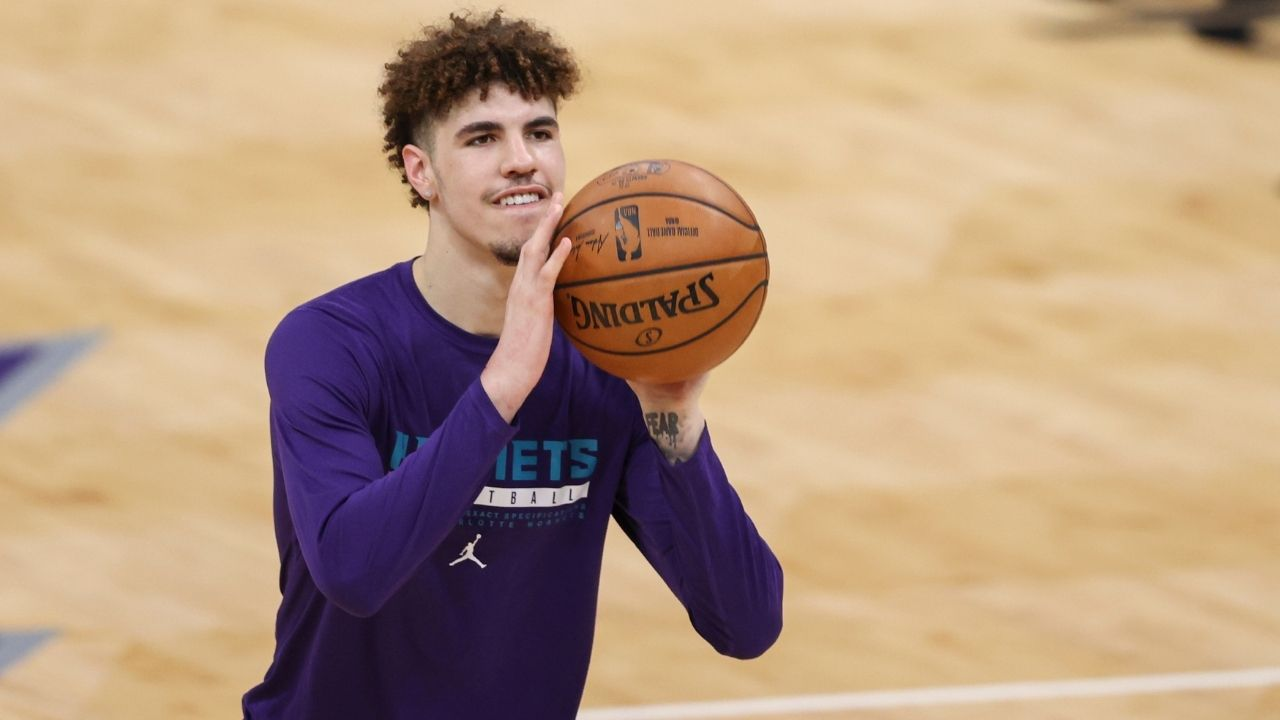 Is LaMelo Ball playing tonight vs ...