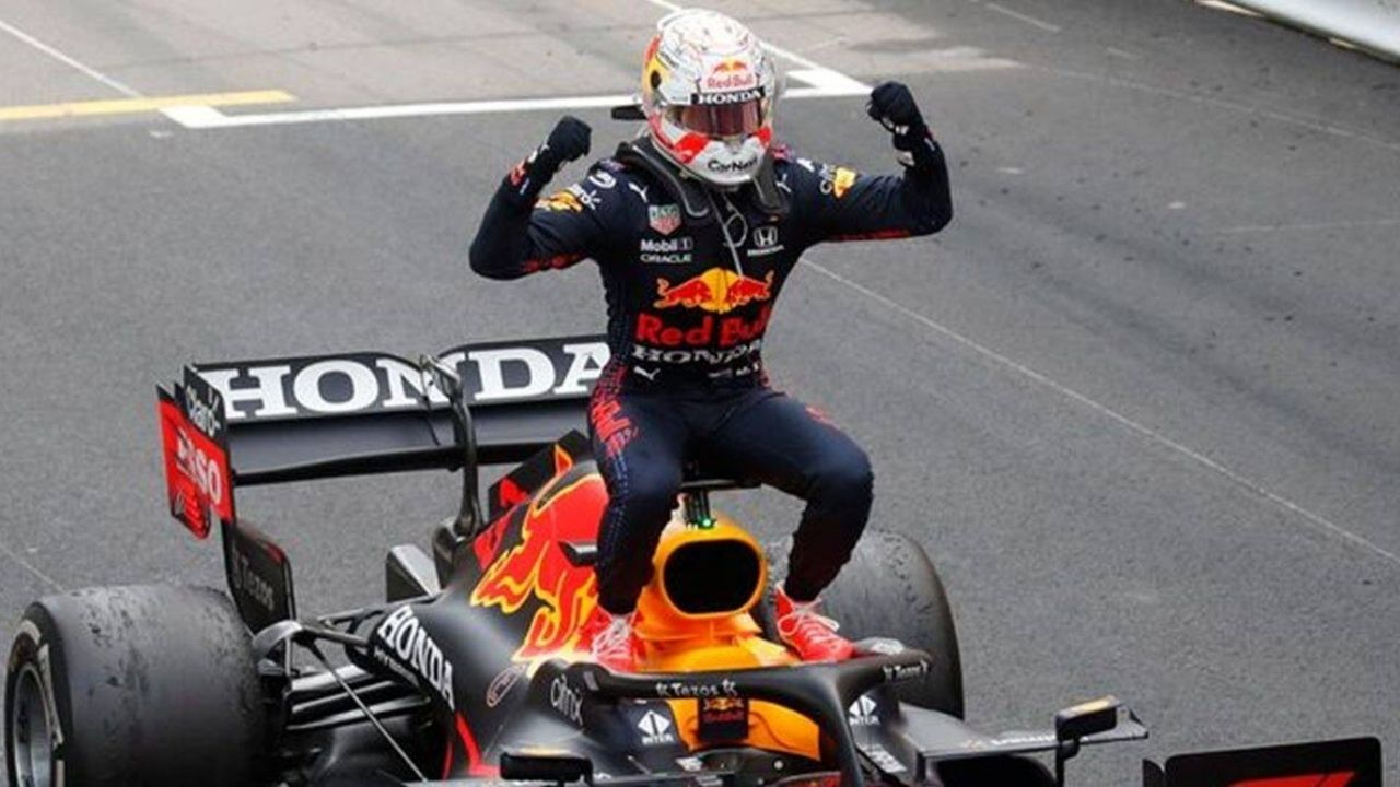 """""""If he's not ready now, he'll never be ready""""– Jacques Villeneuve on Max Verstappen"""