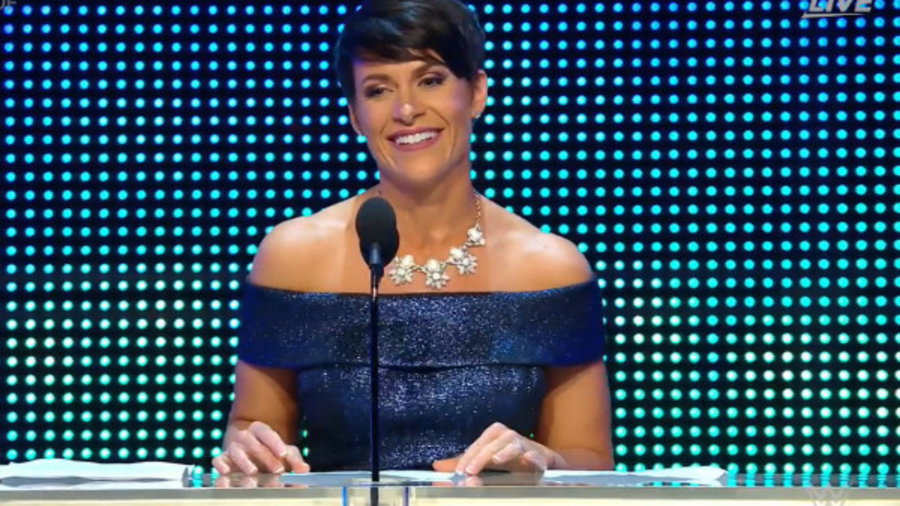 Molly Holly says she cried when WWE cut her Hall of Fame speech from 15 to 2 minutes