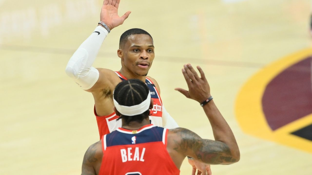 """""""We can't keep drenching Russell Westbrook every time he breaks his own record"""": Scott Brooks jokingly praises his Wizards star after his historic feat"""