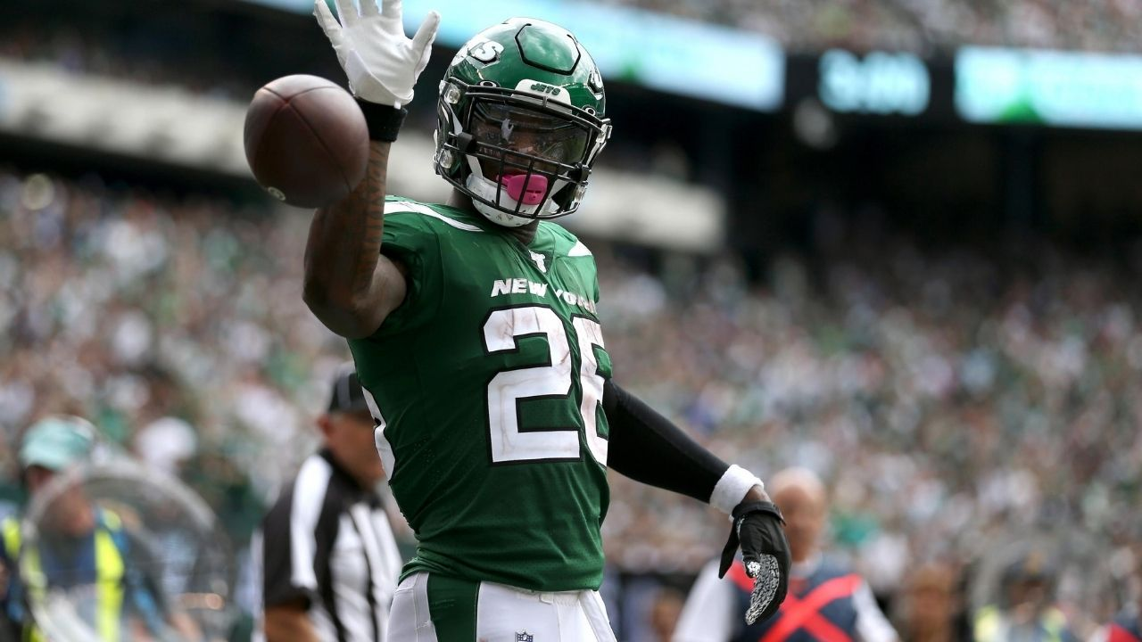 """""""I can't make sh*t shake with that."""": Le'Veon Bell Blames Jets Play Calling for Poor Form and Says He's Ready for 2021 Return"""