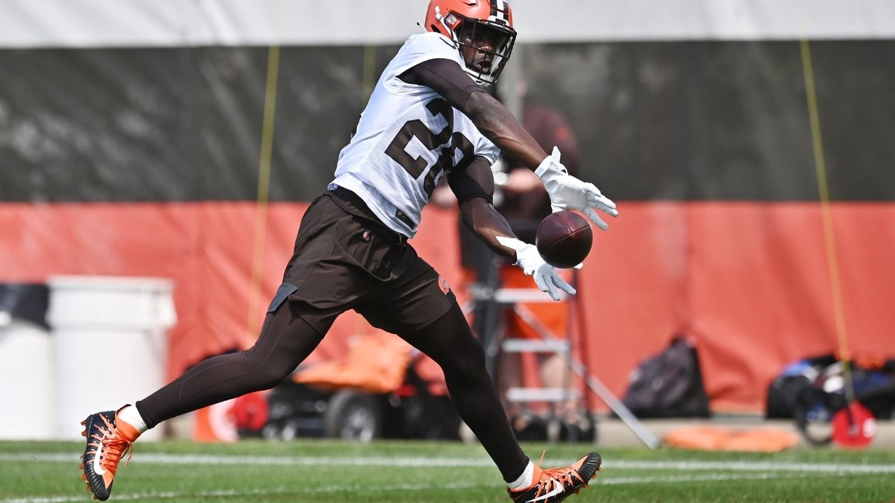 """""""My Heart is 100% healthy"""" Browns rookie Jeremiah Owusu-Koramoah clears all speculations about his health concerns."""
