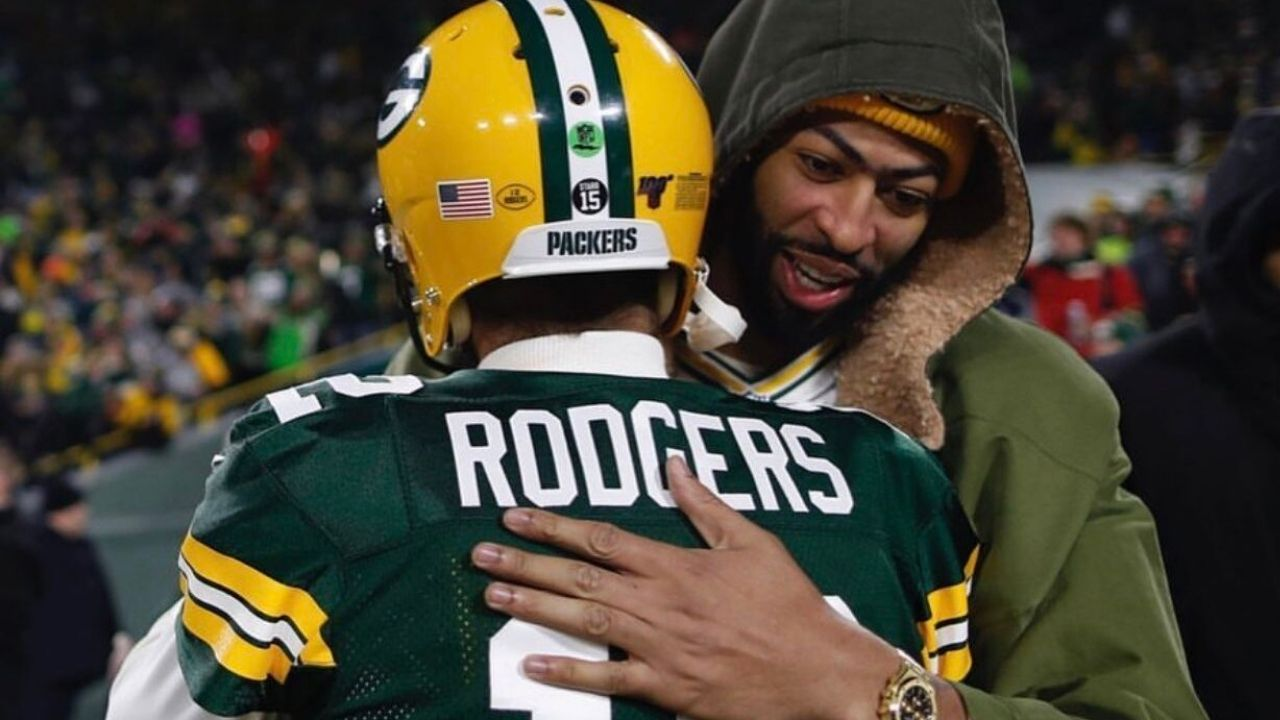 """""""Man, I don't want to talk about Aaron Rodgers right now"""": Lakers Star Anthony Davis Reacts to Packers QB's Trade Request"""