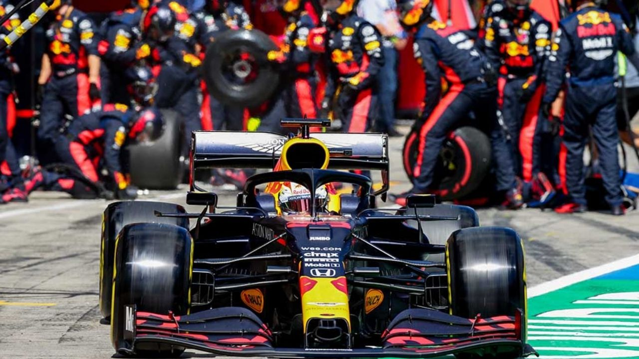 """""""The car looks better thanks to Max than it really is""""– Jos Verstappen mocks Red Bull once again"""