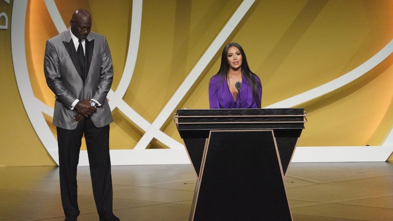 """""""Vanessa Bryant referenced Michael Jordan's 'took it personally' meme"""": NBA Fans react to Kobe Bryant's wife thanking his doubters at his Hall of Fame induction"""