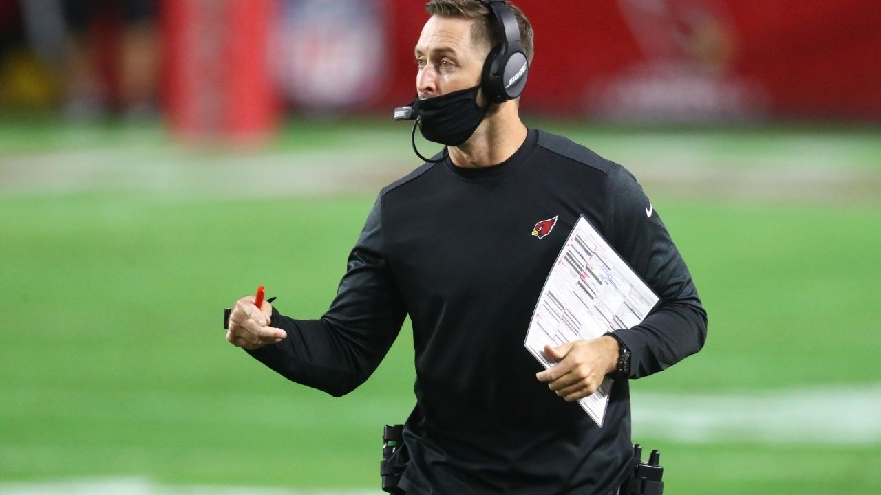 """""""They'll win the prettiest linebacker duo award when they line up side by side"""": Kliff Kingsbury is excited about rookie Zaven Collins pairing up with LB Isiah Simmons."""