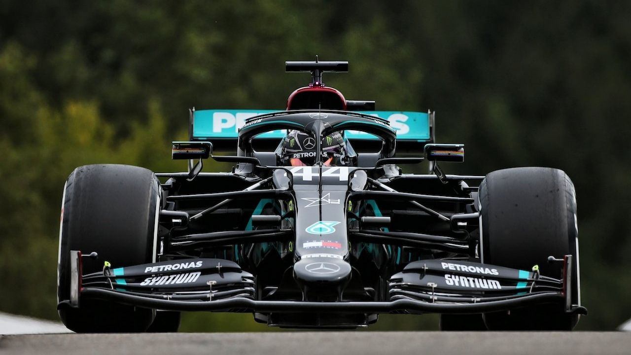"""""""It would be disingenuous of the FIA not to look at the front wing""""– Red Bull demands impartiality from FIA for Mercedes"""