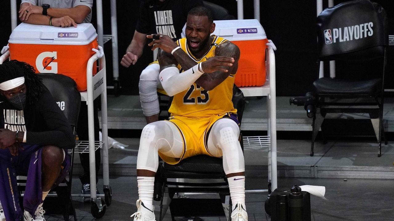 """""""Ayo, get me outta here!"""": LeBron James asks to be subbed out after watching Kyle Kuzma throw a possession with a blunder shot"""