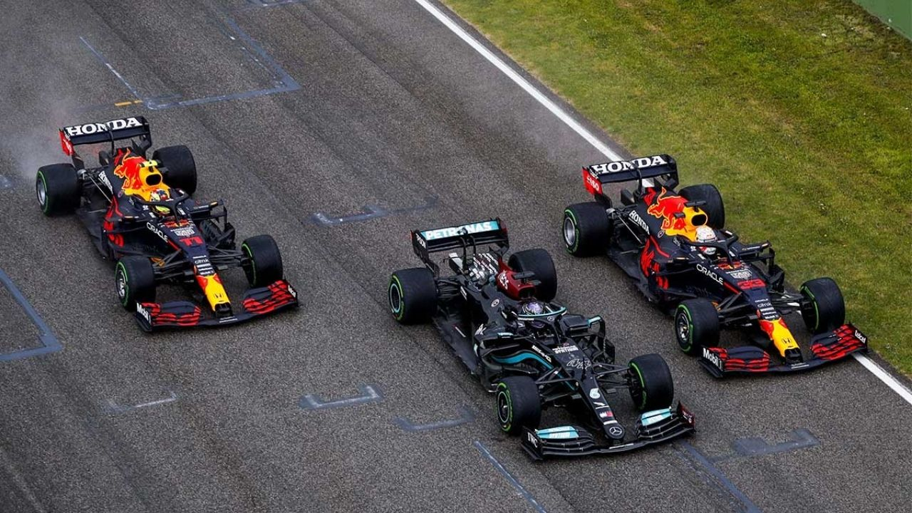 """""""I do think they are still, on normal tracks, ahead of us""""– Max Verstappen still believes in Mercedes superiority"""