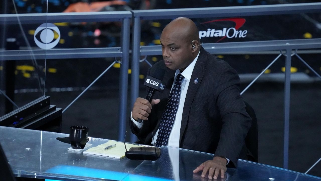 """""""Face your fears, Chuck!"""": Charles Barkley recoils in horror as a live snake and circus enter Inside the NBA sets after he presses the GUARANTEE button"""