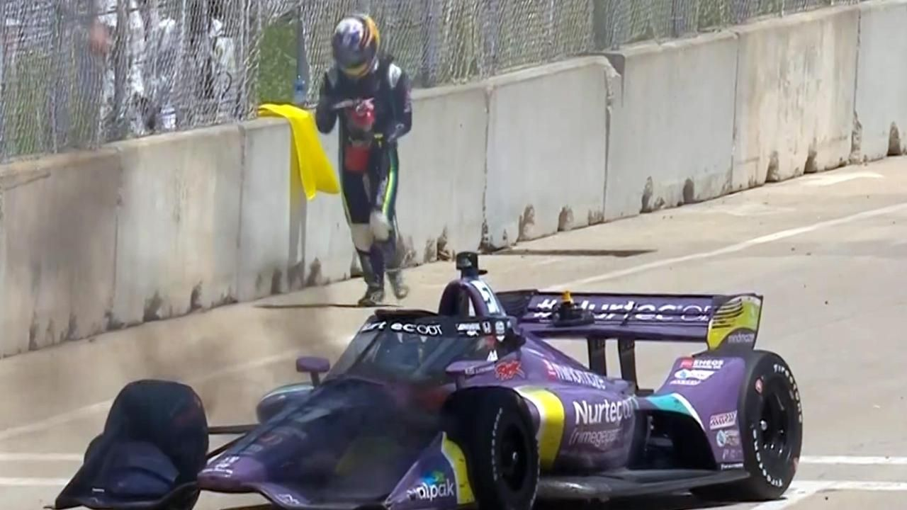 """""""We had a brake fire""""– Romain Grosjean rushes to blow out his own car fire in Detroit"""